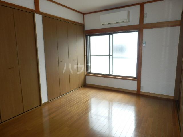 カーサー駒生 201号室のベッドルーム