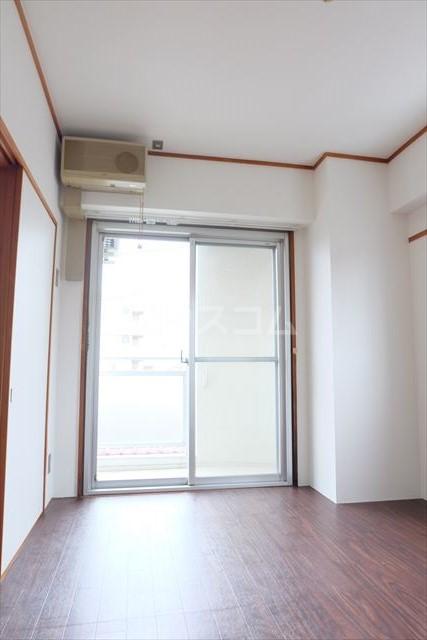 陽南イタリハイツ 206号室の居室