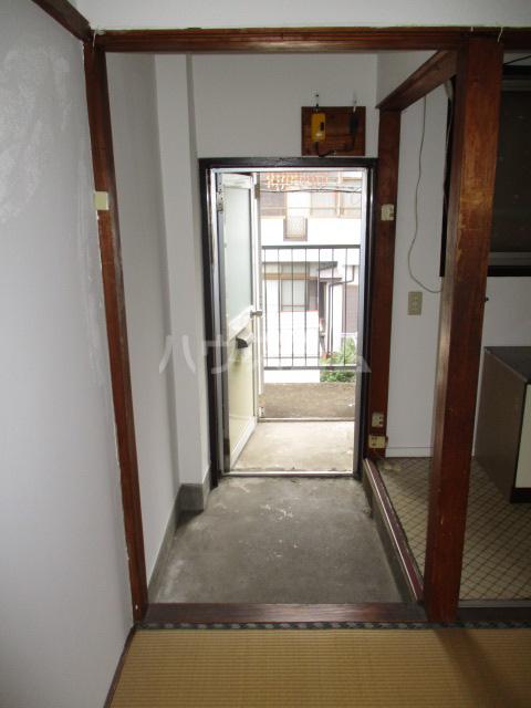 問屋町マンション 210号室の玄関