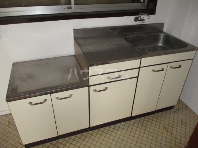 問屋町マンション 210号室のキッチン