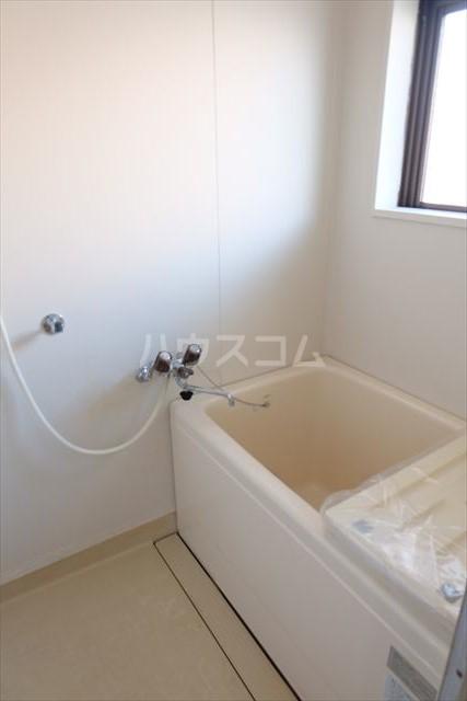 シャンポール双葉 202号室の風呂