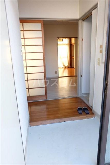 シャンポール双葉 202号室の玄関