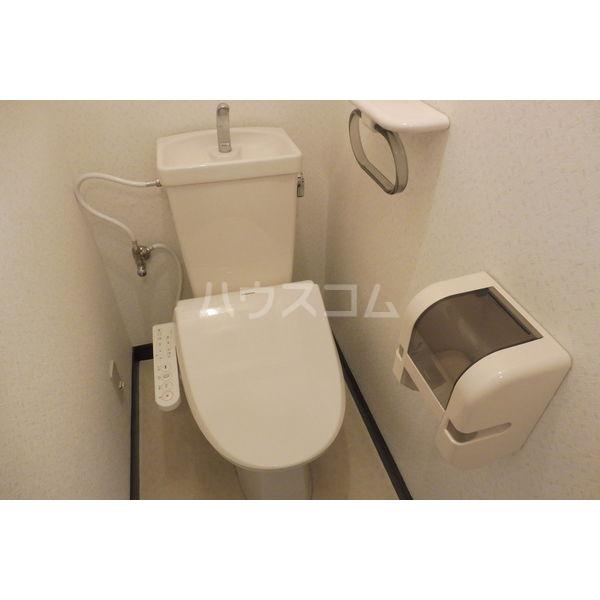 ドミール平松 207号室のトイレ