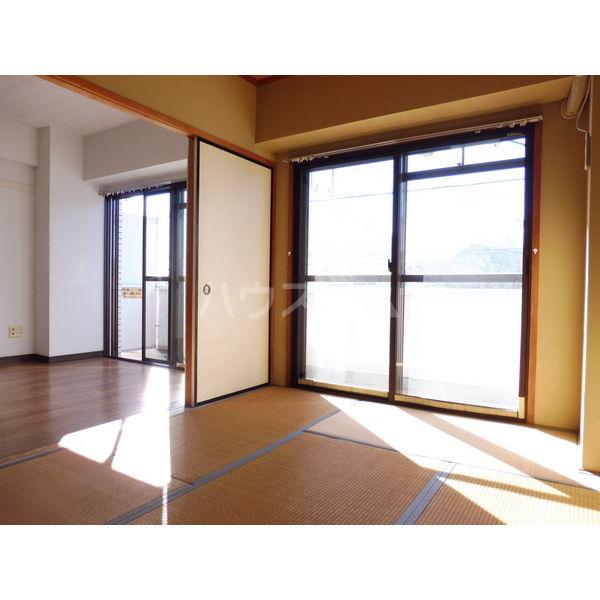 ドミール平松 507号室のベッドルーム