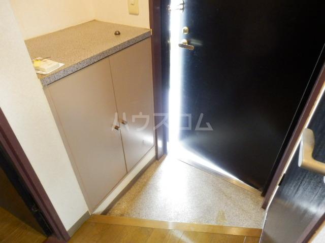 KINO HOUSE 301号室の玄関