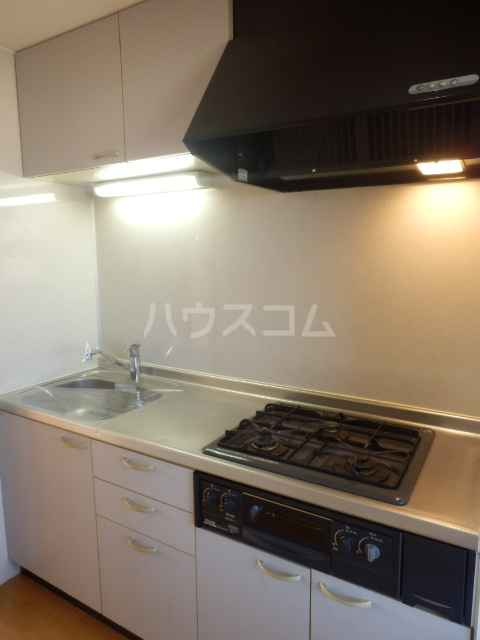 ベル・グランドハイツ 903号室のキッチン