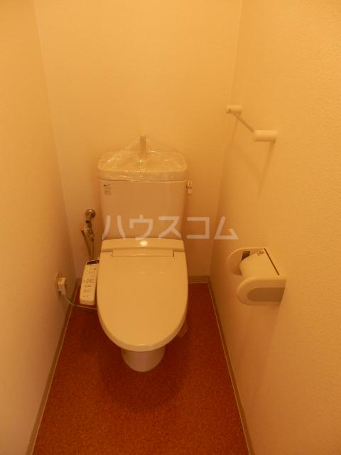 ベル・グランドハイツ 903号室のトイレ