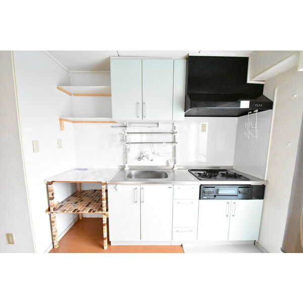 宇都宮サマリヤマンション 607号室のキッチン