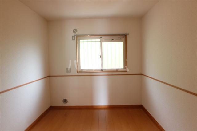 グランヴィータB 201号室の居室