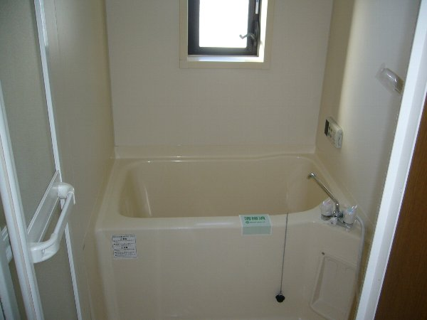 藤コーポ弥生壱番館 201号室の風呂