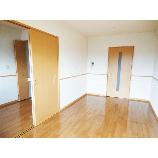 ゴールドライフマンション宇都宮 603号室のベッドルーム