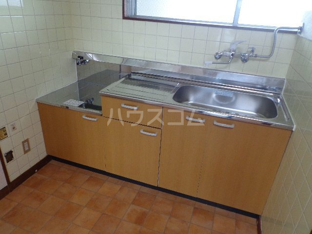 レジデンス山本 306号室のキッチン