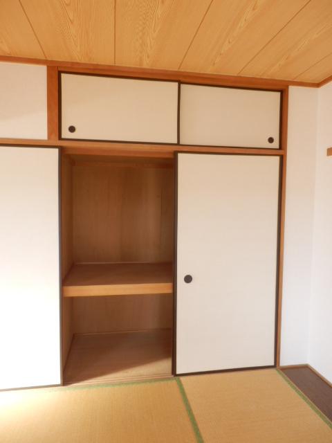モア・グランドリーMY B 203号室の収納