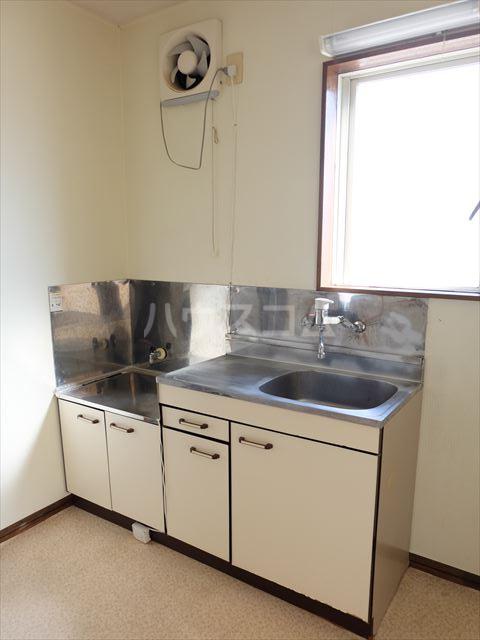 レジデンス山崎Ⅱ 201号室のキッチン