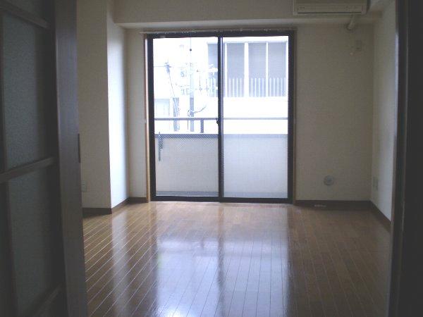 プレゾン・マロニエ 405号室のリビング
