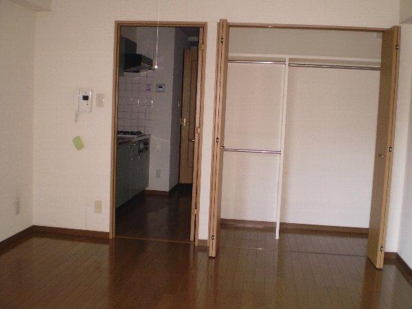 プレゾン・マロニエ 405号室の収納