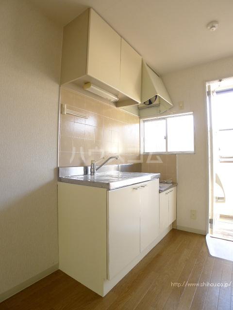 コーポマロニエA棟 101号室のキッチン