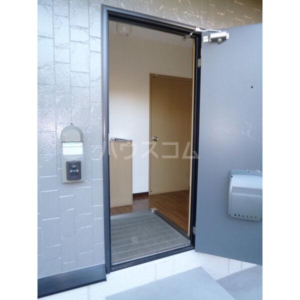 マリアージュ A棟 A102号室の玄関