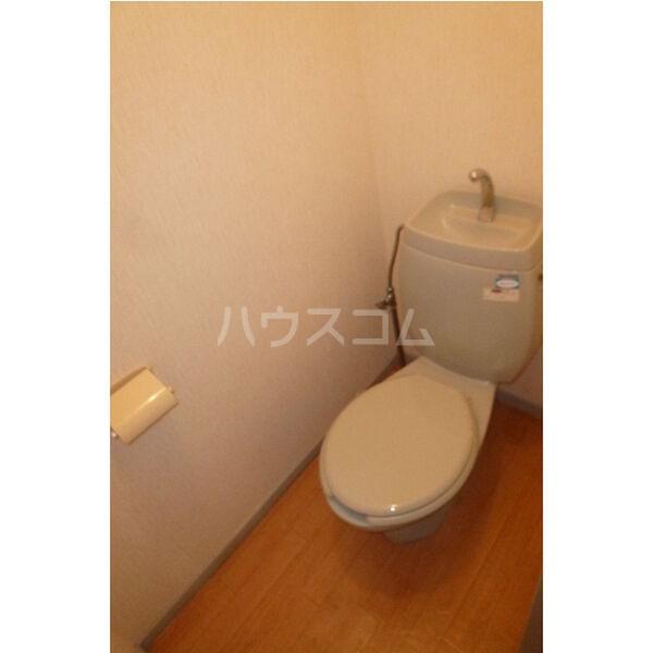 ベルシオンA A103号室のトイレ
