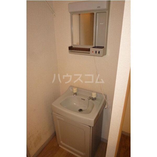 ベルシオンA A103号室の洗面所