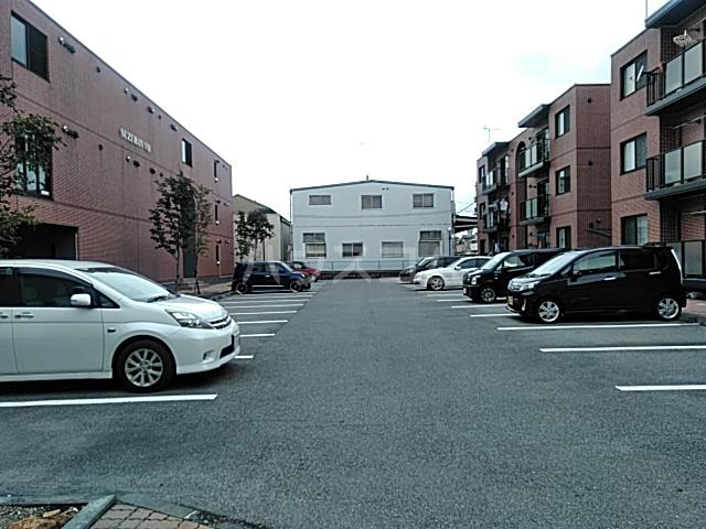 すずらんⅦ 3B号室の駐車場