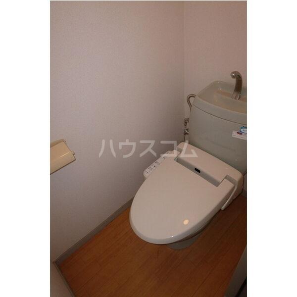 メイローズ 105号室のトイレ