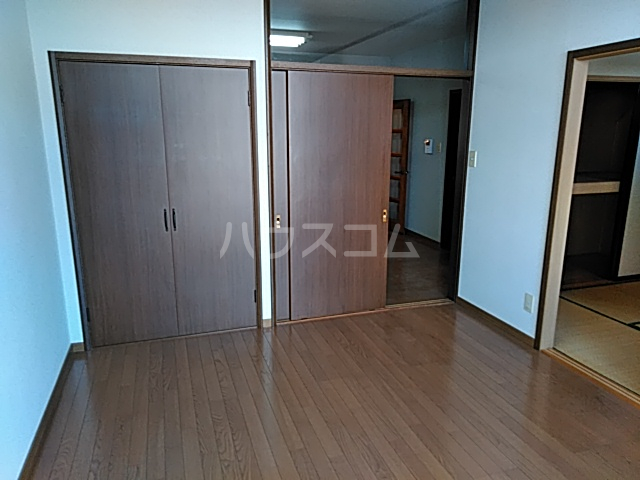 グリーンハイツ三澤パート6 B201号室の居室