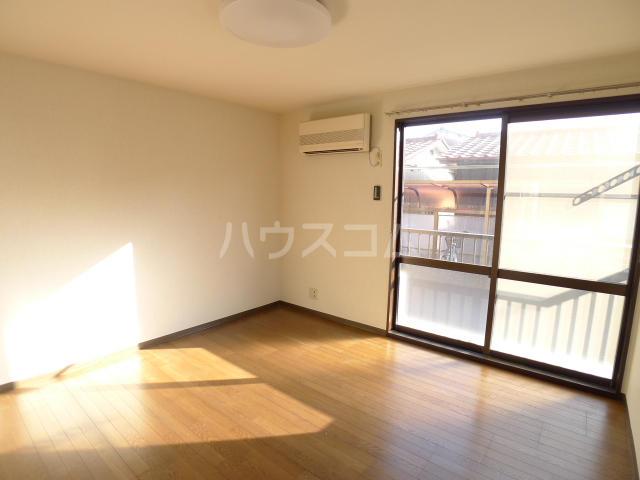 レジデンス斉藤 102号室のリビング