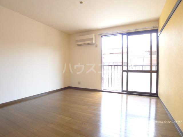 レジデンス斉藤 102号室のバルコニー