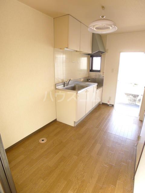 レジデンス斉藤 102号室のキッチン