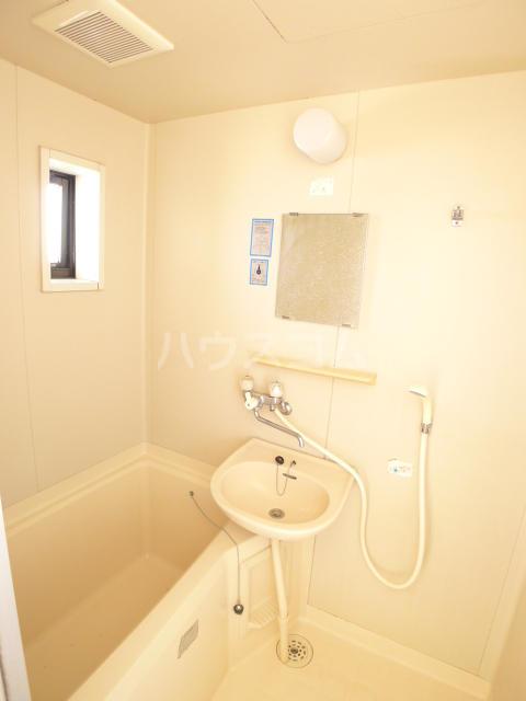 レジデンス斉藤 102号室の風呂