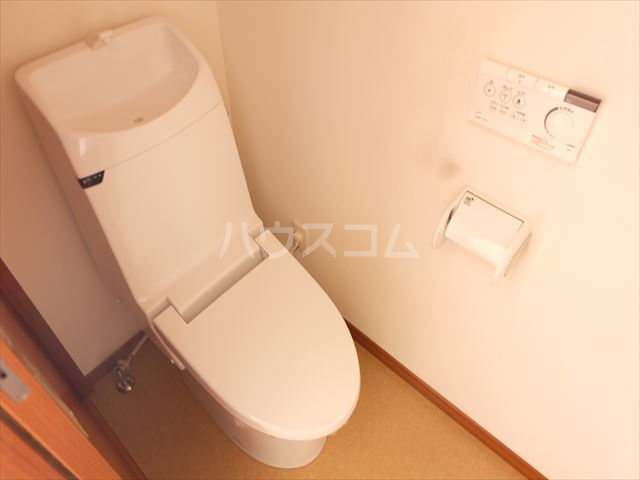 レジデンスアルタⅢ 102号室のトイレ