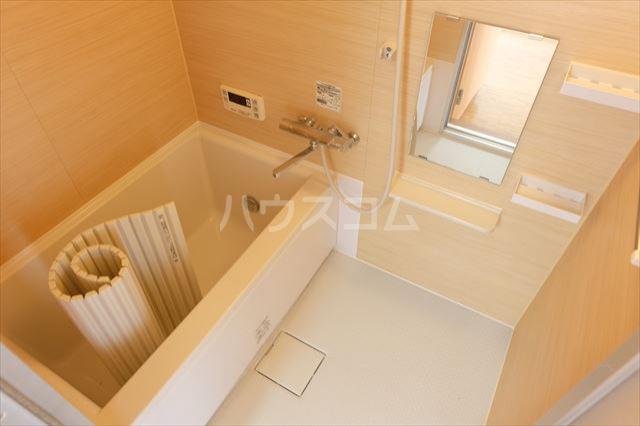 シャトーF 302号室の風呂