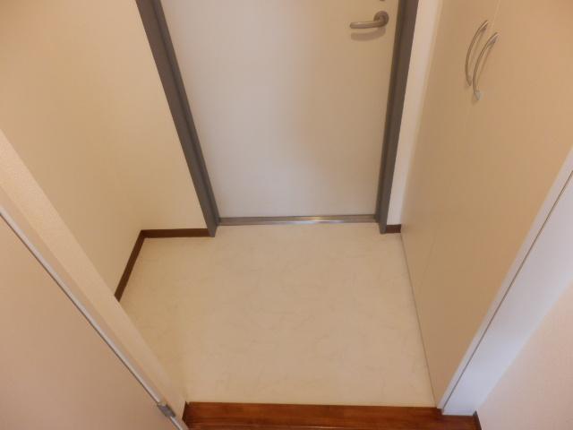ビッグ・ビー宇都宮 1004号室の玄関