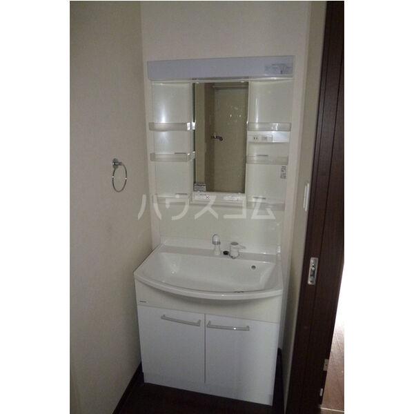 ラ・カーサ・フェリーチェ 202号室の洗面所