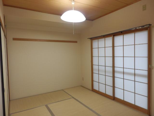 ルミエール薬師寺 203号室の居室