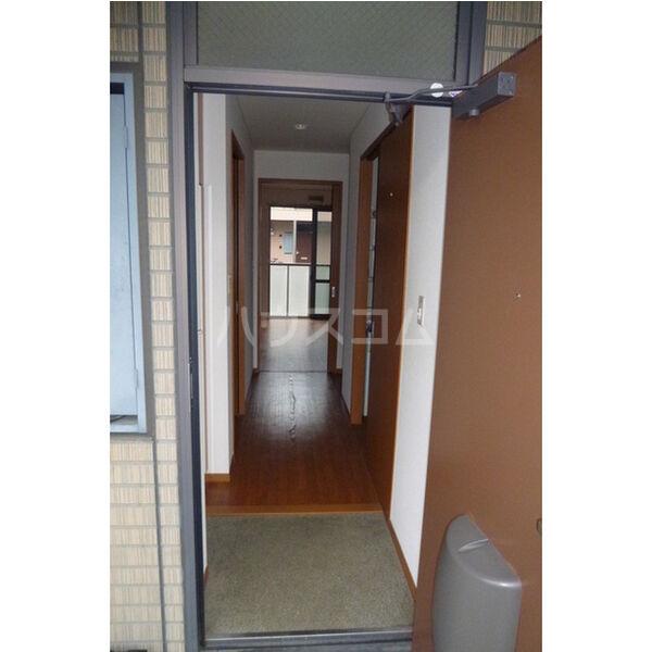タウニィ・コスモスⅤ 101号室の玄関