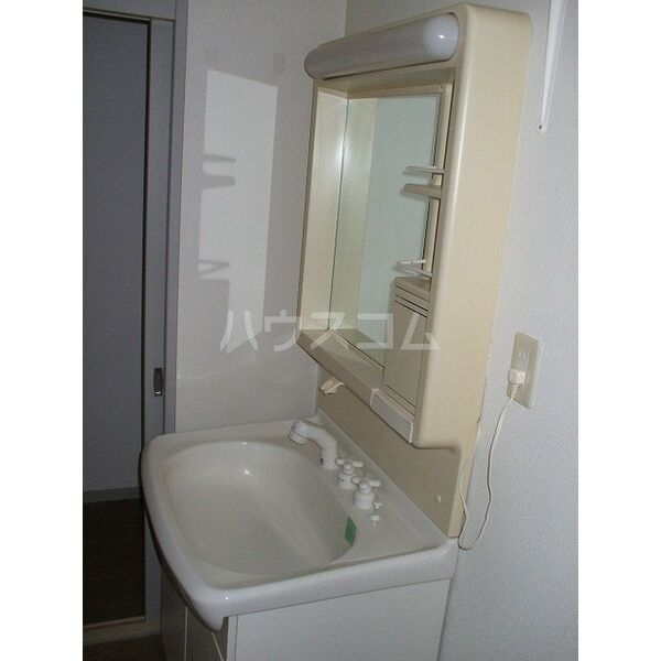 ウイングミユキ A 101号室の洗面所