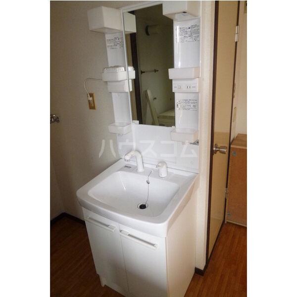 中里ハイツⅠ 101号室の洗面所