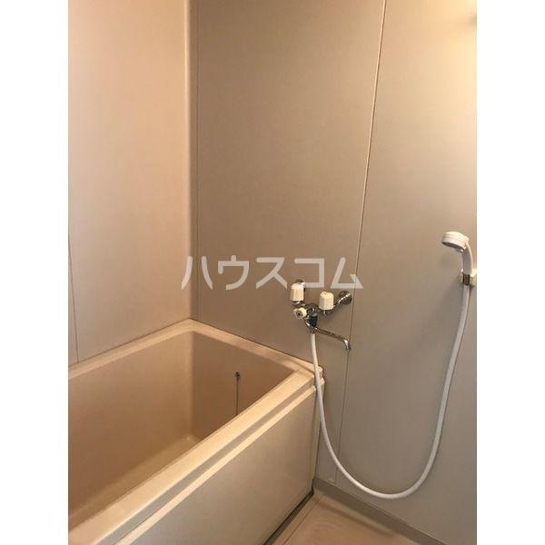 ドミールカガワ B 202号室の風呂