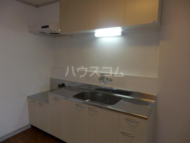 コーポサングレー 302号室のキッチン