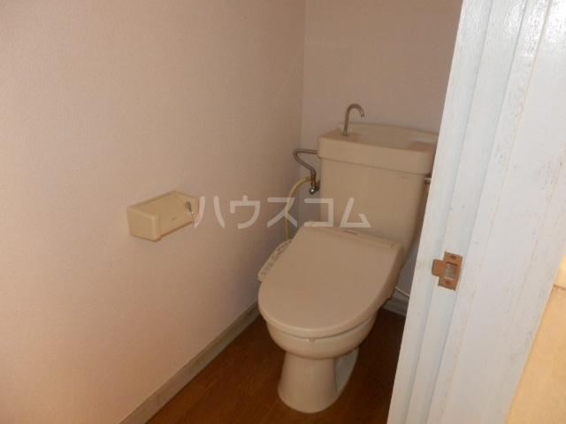 コーポサングレー 302号室のトイレ