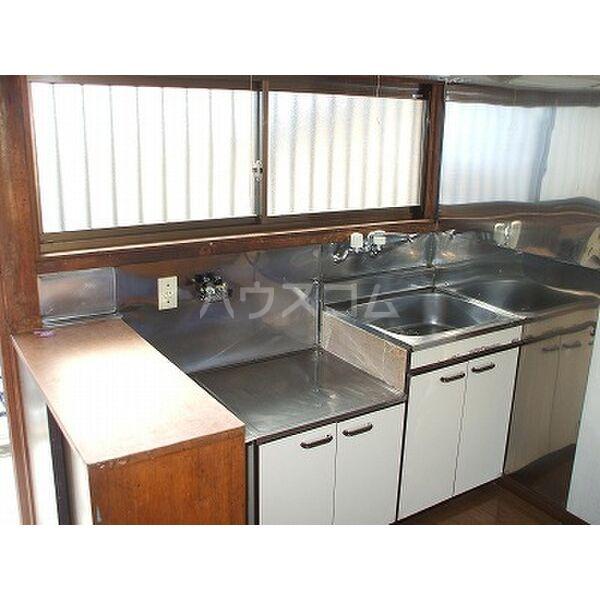 小滝アパート 2号室のキッチン