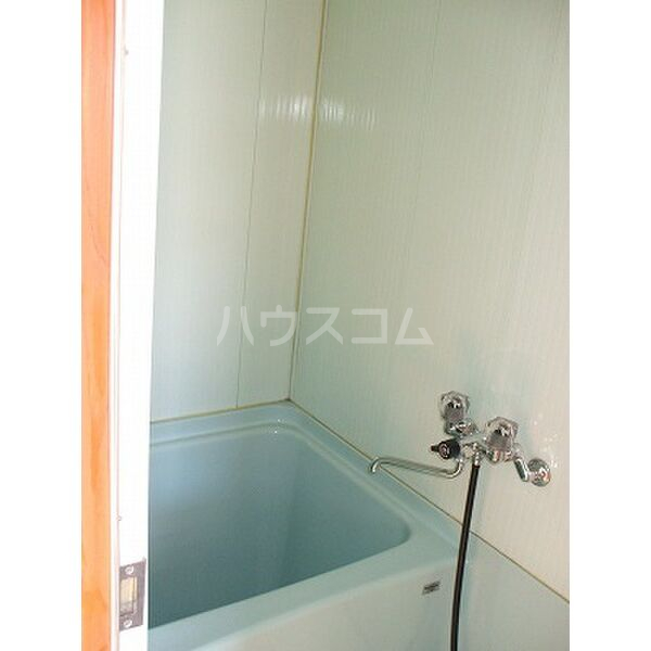 小滝アパート 2号室の風呂