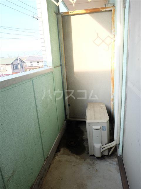 メゾンドココ 302号室のバルコニー