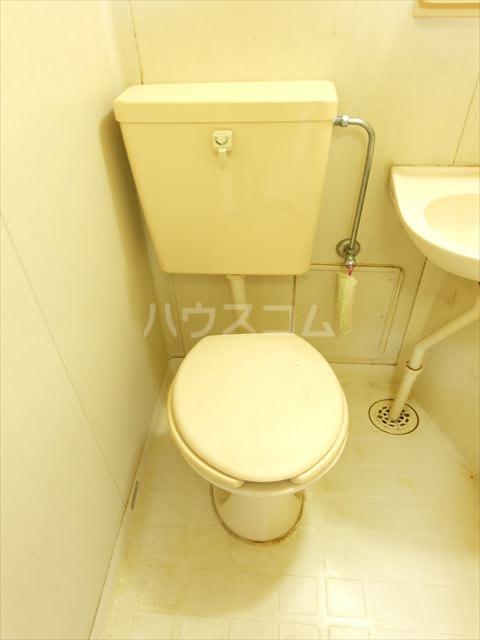 メゾンドココ 302号室のトイレ