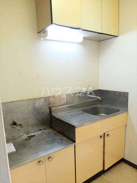 メゾンドココ 302号室のキッチン