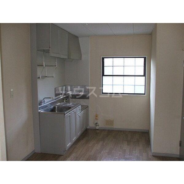 ベルシオンB 202号室のキッチン