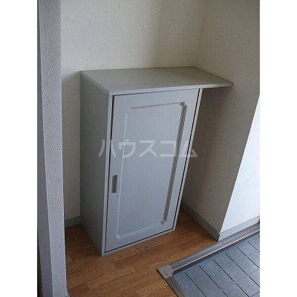 ベルシオンB 202号室の玄関