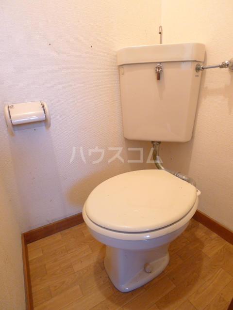 志朋ハイツ・峰 103号室のトイレ